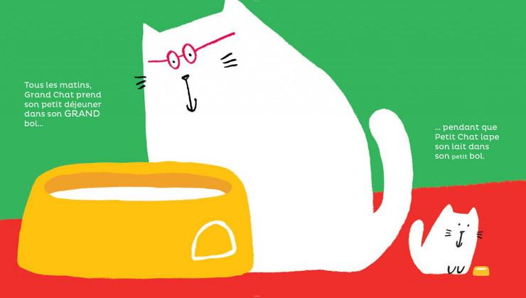 grand chat petit chat prennent le petit déjeuner